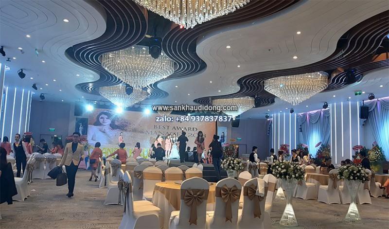 Cho thuê sân khấu tổ chức sự kiện hội nghị khách hàng